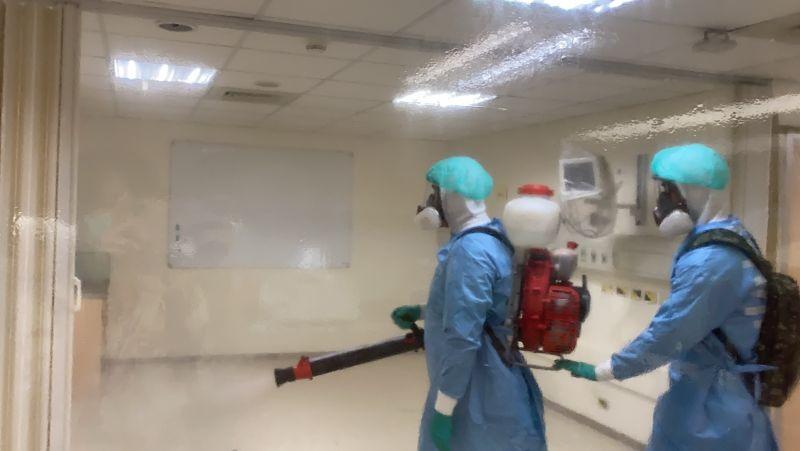 陸軍化學兵進駐清消 亞東醫院:七月恢復週六門診