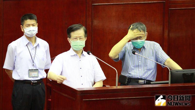 ▲因為台北市長柯文哲「尊師」,衛生局長黃世傑在歷經疫苗濫發等事件,且在防疫記者會上2個月來未發言,至今還能保有烏紗帽。(圖/記者丁上程攝,2021.06.21)
