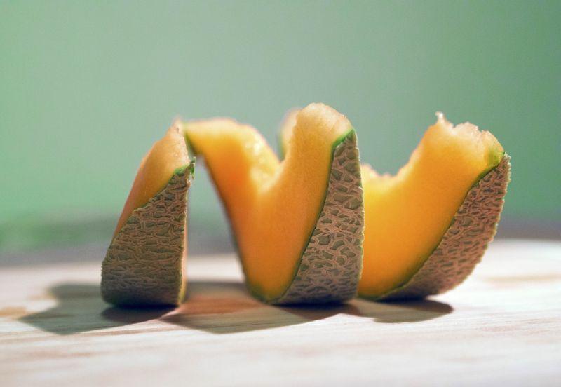 ▲水果攤商老闆分享4招,挑選出的哈密瓜保證又香又甜。(示意圖/翻攝自Pixabay)