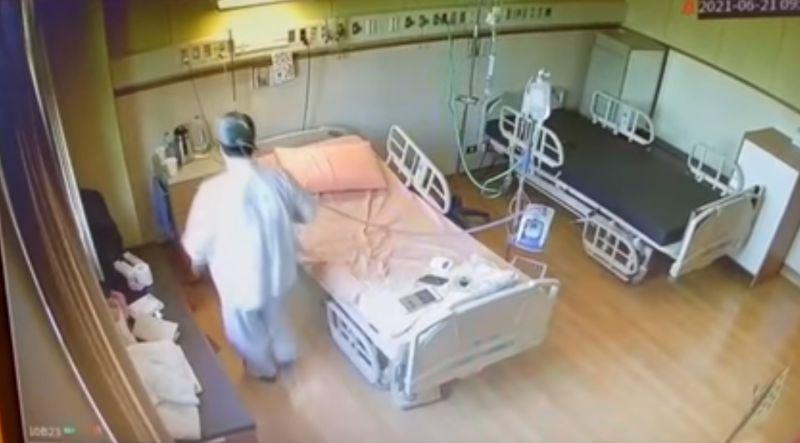▲重症病患使用HFNC後,自在地在病房內走動,甚至跳起舞來,走了幾趟後才坐回病床。(圖/賈永婕臉書)