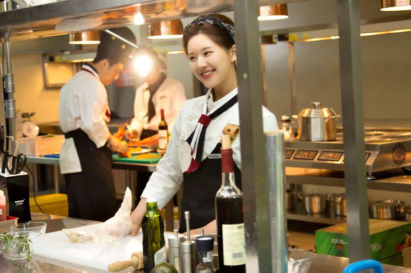 ▲趙露思在《我,喜歡你》飾演對美食有獨特天份的小廚娘「顧勝男」。(圖/中天娛樂台提供)