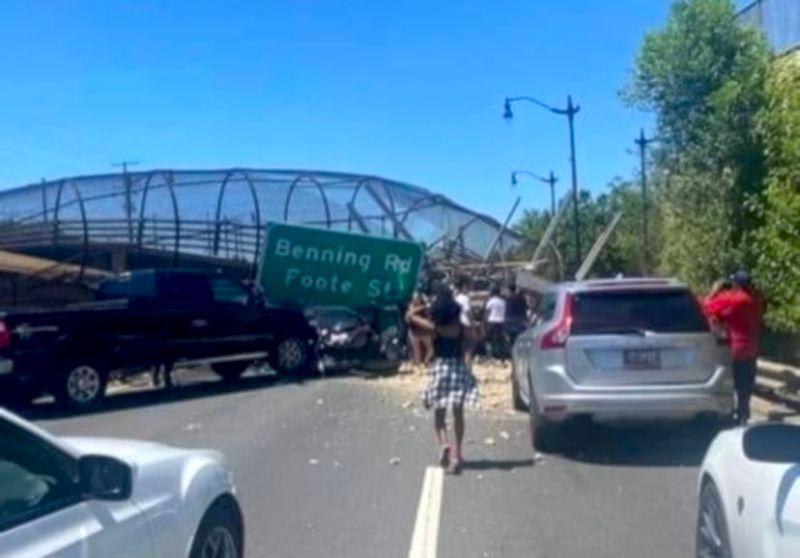 華府天橋坍塌5傷 公路交通中斷數小時