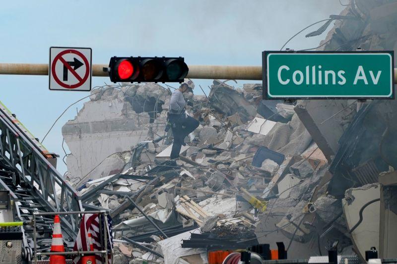 美國佛州大樓倒塌51人下落不明 當局持續搜救