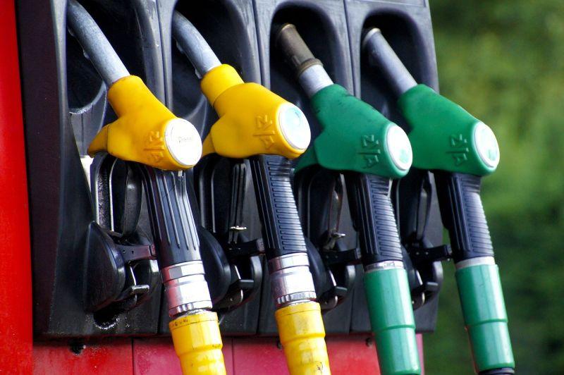 ▲國民黨立院黨團呼籲政府凍漲油價,經濟部表示,中油已有緩漲機制。(示意圖/翻攝自Pixabay)