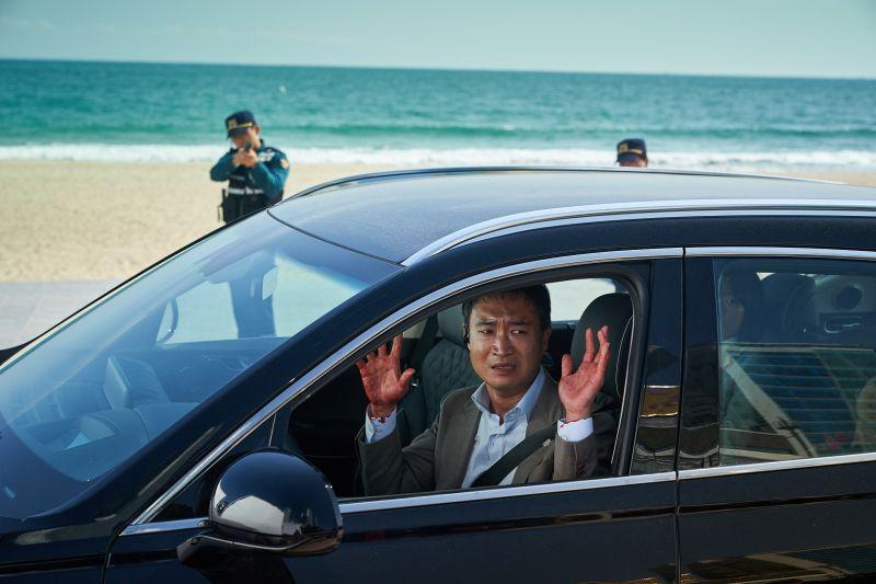 孔劉「祕書」車子被裝炸彈 1大2小生命有危險