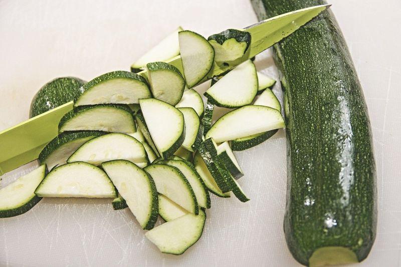 ▲搜狐美食專欄《大慶談美食》就分享,夏天吃「節瓜」既清爽又解膩,最厲害的是,這種蔬菜燃脂效果比芹菜還快,簡直就是「天然刮油王」。(圖/取自pixabay)