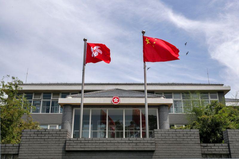 ▲《紐約時報》評論,香港國安法實施一週年,香港變得更像其中國經濟城市,沒有自由與異議,只有經濟上的價值。(圖/美聯社/達志影像)
