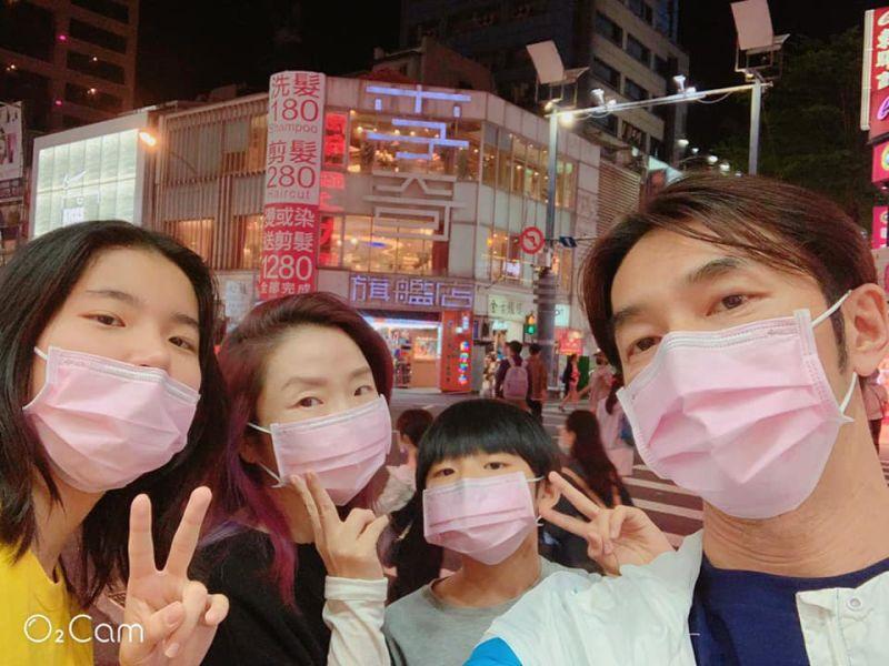 陶晶瑩全家赴美打疫苗 原因是15歲女兒荳荳