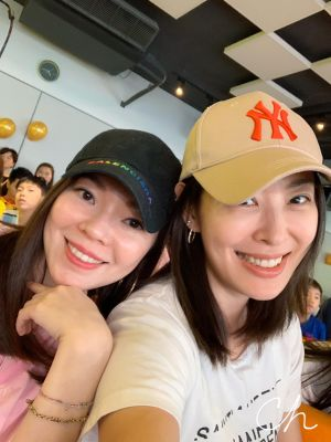 ▲賈永婕(右)大讚曾馨瑩(左)是最美麗的神隊友。(圖/賈永婕臉書)