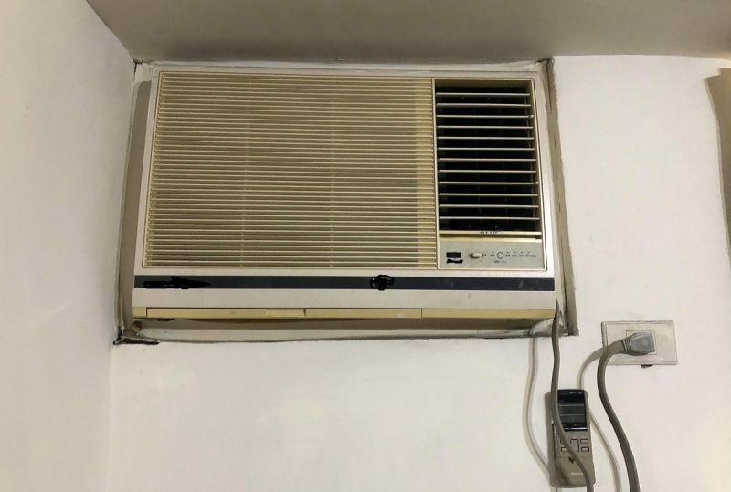 ▲原PO想換掉家裡用10幾年故障的窗型冷氣,卻苦惱該繼續選擇窗型或分離式。(圖/NOWnews資料照)
