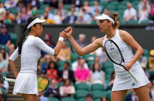 ▲我國網球一姐謝淑薇與比利時搭擋Elise Mertens(右)。(圖/美聯社/達志影像)