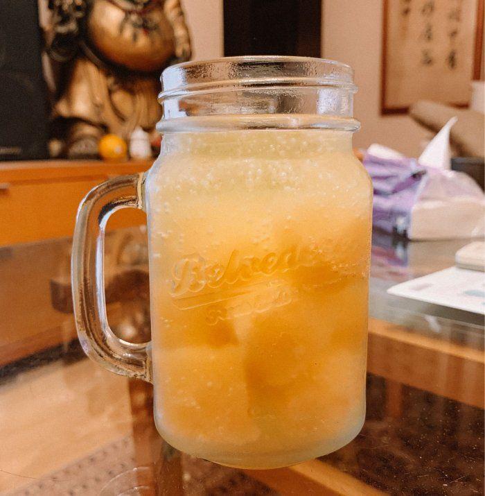 ▲從圖片中可以看到,一杯完美的哈密瓜特調就此完成了。(圖/翻攝自網路論壇《Dcard》)