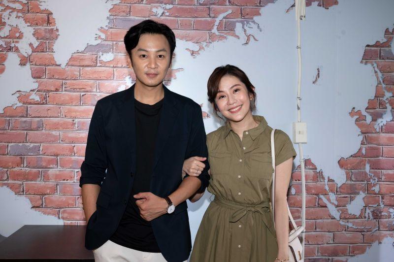 ▲張書偉(左)與王宇婕飾演夫妻檔。(圖/TVBS提供)
