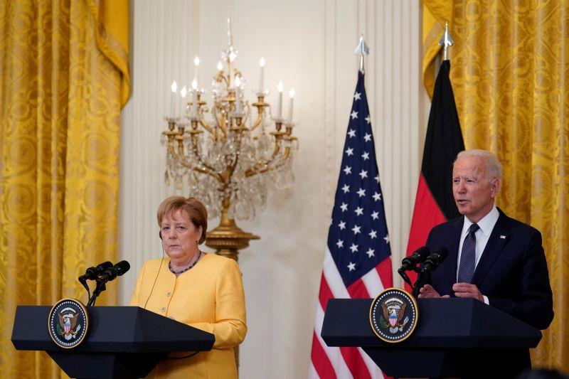 ▲美國總統拜登15日與德國總理梅克爾在白宮召開記者會,被問到香港議題時,拜登聲稱北京沒有遵守對香港的承諾。(圖/美聯社/達志影像)