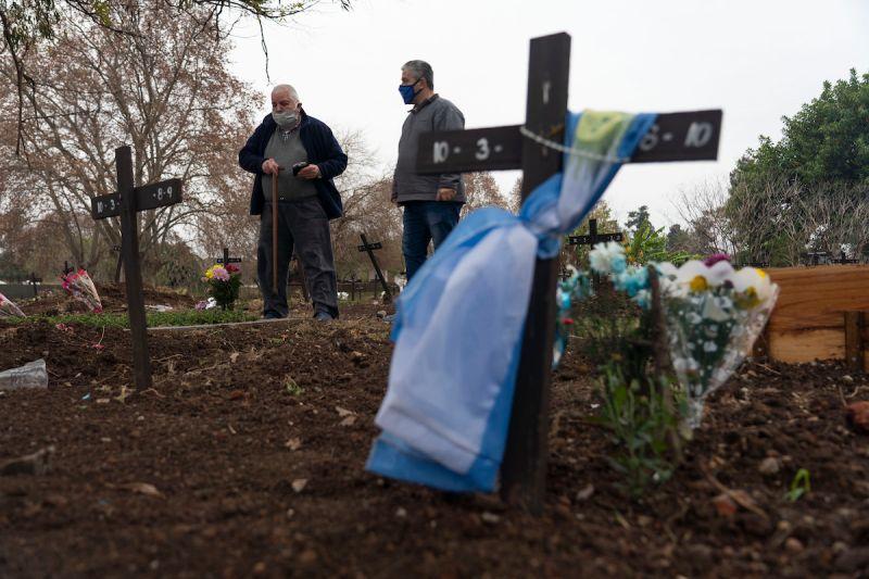 阿根廷病歿數破10萬全國降半旗哀悼 加速疫苗接種