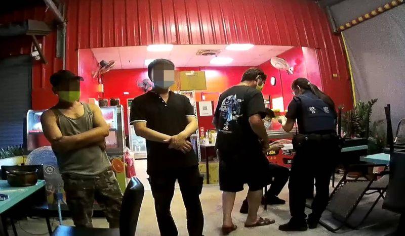 小吃店誤認微解封可提供內用  警方查獲送裁罰