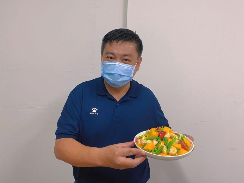 金煌芒果入菜 鳳山阿榮分享夏日芒果雞柳燴時蔬料理食譜