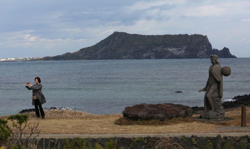 韓國連11天日增逾千例 濟州島遭擠爆將升防疫警戒