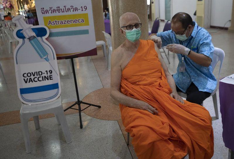 ▲泰國4月爆發第三波新冠肺炎(COVID-19)疫情,至今仍十分嚴峻,當地民眾對政府的應對能力感到質疑。(圖/美聯社/達志影像)