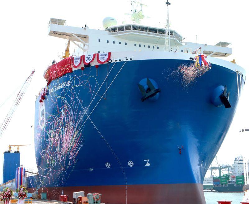 邁入智能電動船廠行列 台船辦潛舉式甲板重貨載運輪命名