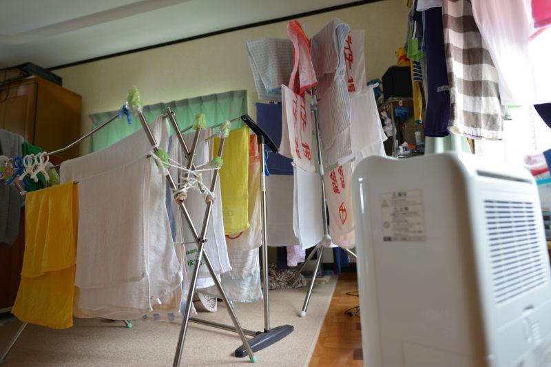 ▲夏天的台灣潮濕又悶熱,又因為疫情影響不少人需要長時間待在家中,除濕機也顯得格外重要。(示意圖/翻攝PhotoAC)