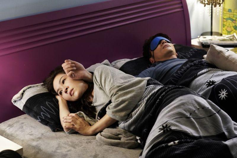 ▲《俗女養成記》裡的陳嘉玲與江顯榮交往4年,關係卻像室友一樣。(圖/華視提供)