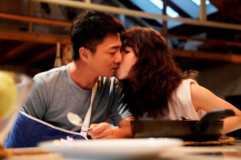 ▲藍葦華(左)、謝盈萱再組「森玲CP」,戀情未來走向令人期待。(圖/華視、CATCHPLAY提供)