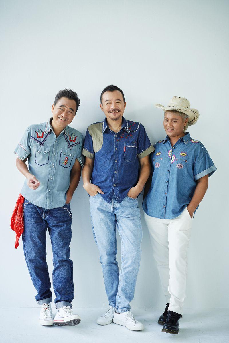 ▲陳昇與阿Van組成的「新寶島康樂隊」,推出新專輯《剪剪花》(圖/新樂園製作有限公司提供)