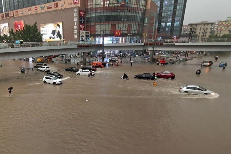 河南鄭州暴雨釀洪災 中國導演質疑美軍輸台「氣象武器」
