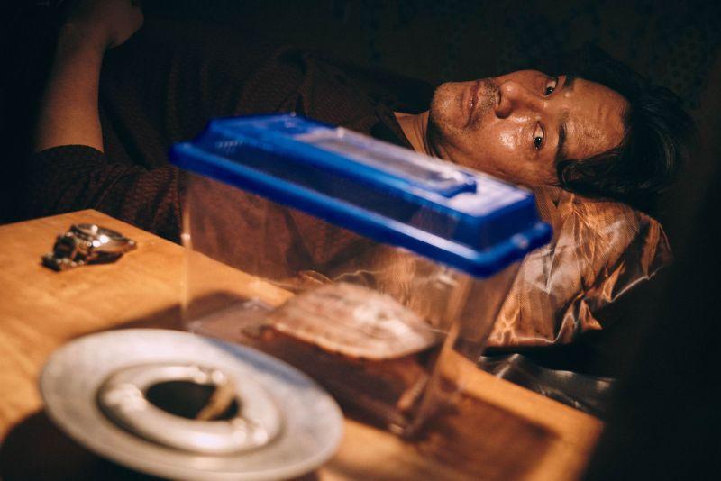 ▲林家棟飾演華籍英軍「關超」一角。(圖/CATCHPLAY提供)