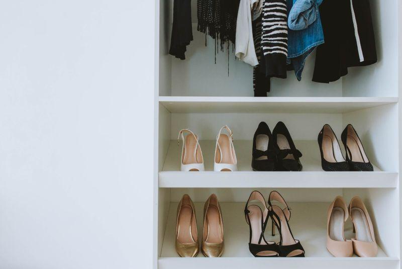 ▲原PO送的衣服、鞋子都是按照婆婆說的尺寸,結果對方根本穿不下。(示意圖/翻攝自《pexels》 )