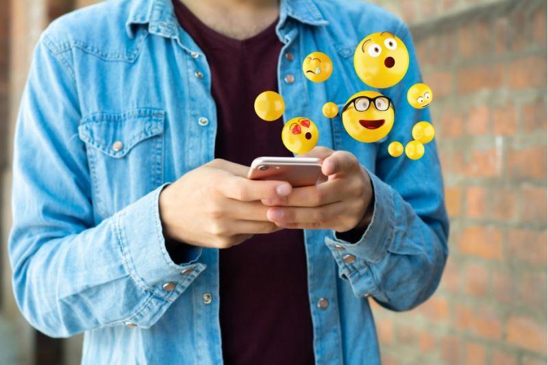 ▲ 表情符號的出現意味著我們可以在網路上更有效地表達自己的情感。(圖/截取自Shutterstock)