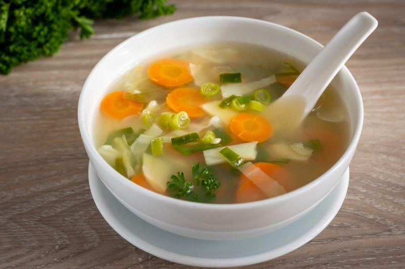 ▲有網友在PTT詢問大家「青菜湯怎麼煮會更好吃?」釣出內行分享撇步,即加入「蘿蔔」與「冬瓜」,不僅口感立馬變鮮甜,喝起來也很清爽。(示意圖/取自pixabay)
