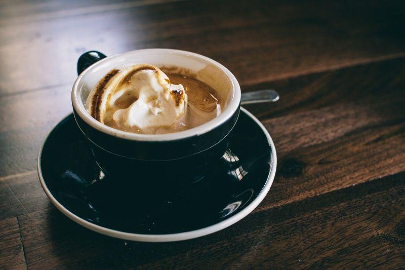 咖啡還能加啥喝?老饕曝「隱藏神搭配」 網嗨:怎那麼會