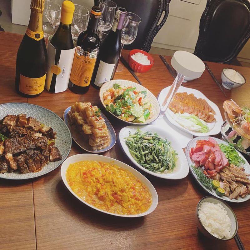 ▲網友公公不僅會蓋房子,還很會煮菜。(圖/翻攝自《爆廢公社公開版》臉書)