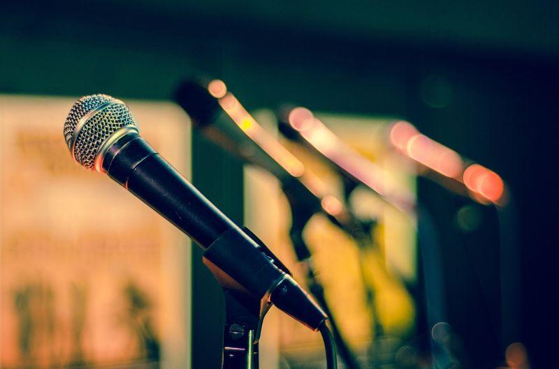 ▲會唱歌又會演戲的台灣藝人會想到誰?網友狂推「這2位」。(示意圖/翻攝自Pixabay)