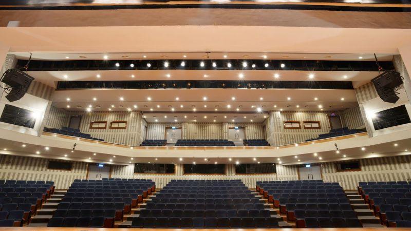 ▲表演廳觀眾入場採間隔座、梅花座,第一排與舞台前緣須有3公尺以上距離。(圖/高市府文化局提供)