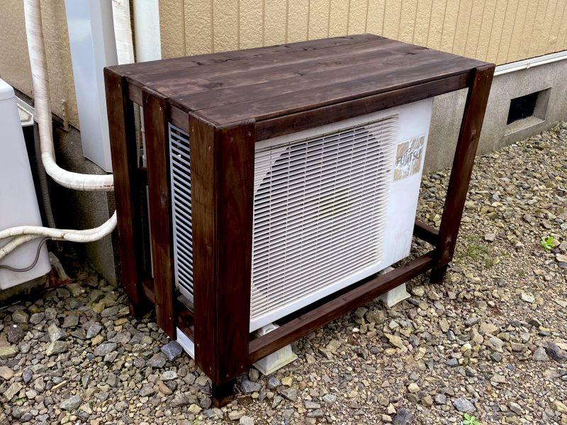 ▲日本網友精心替冷氣加裝「防曬遮陽棚」。(圖/翻攝自@_hp23的推特)