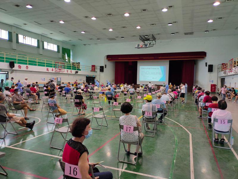 ▲台中已施打第一劑疫苗的人數達69 萬998人(圖/柳榮俊攝2021.7.24)