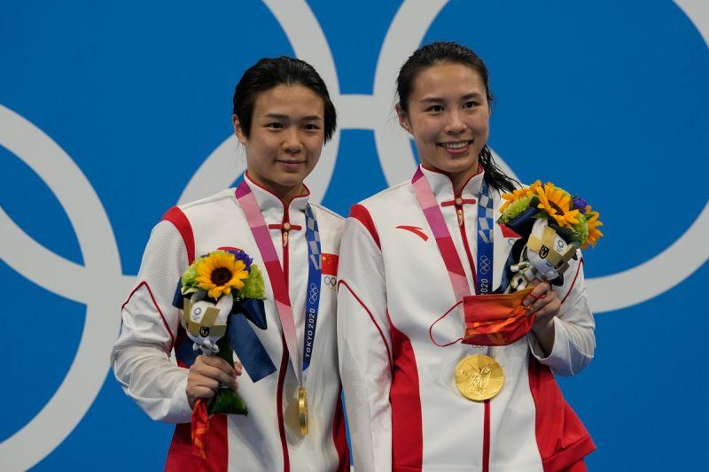 ▲施廷懋/王涵在女子三公尺跳板雙人賽決賽以326.40的分數奪得冠軍。(圖/美聯社/達志影像)