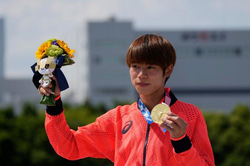 ▲堀米雄斗摘下東京奧運滑板賽金牌。(圖/美聯社/達志影像)