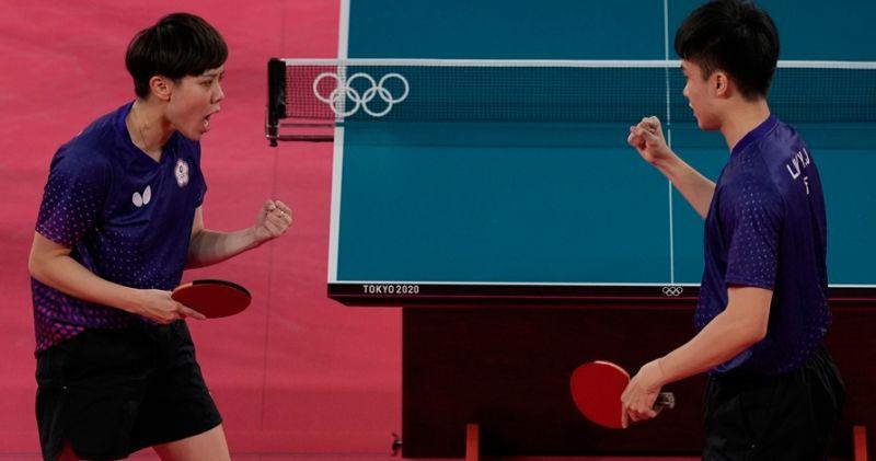 ▲台灣黃金混雙鄭怡靜、林昀儒揚威東京奧運。(圖/美聯社/達志影像)