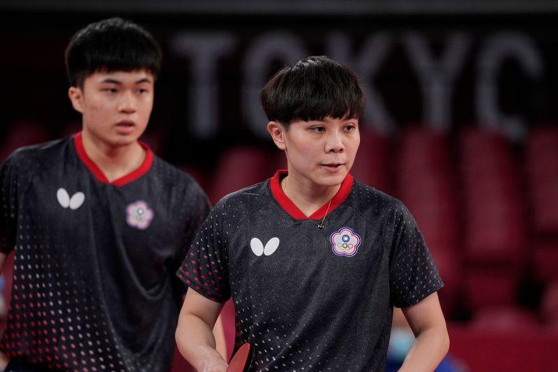 ▲台灣東京奧運混雙鄭怡靜(右)、林昀儒。(圖/美聯社/達志影像)