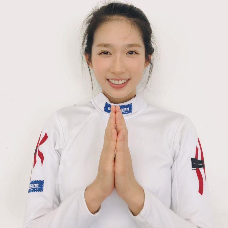 ▲▼江旻憓東京奧運個人賽於8強止步,不過仍創下香港劍擊歷史最佳成績,她賽後受訪還哽咽向大家道歉。(圖/江旻憓臉書、IG)