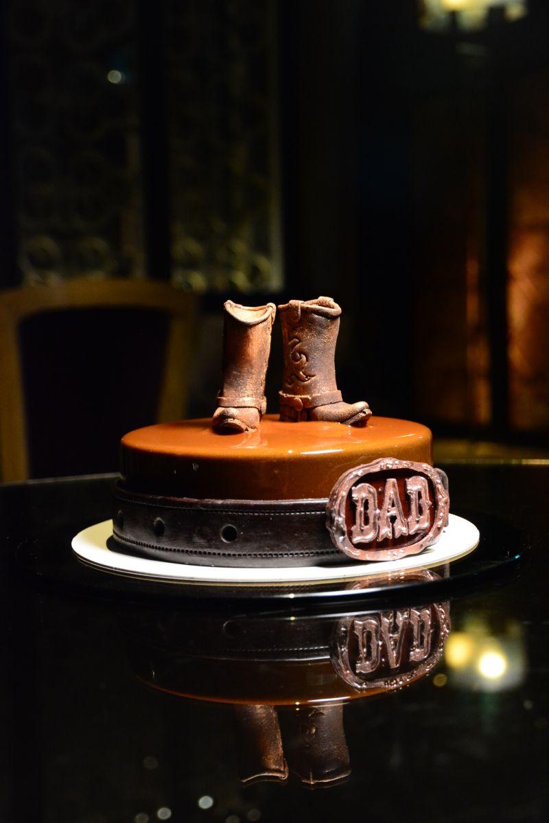 ▲君品酒店今年的父親節蛋糕,嚴選出廣受消費者歡迎的三款特色主題蛋糕。(圖/業者提供)