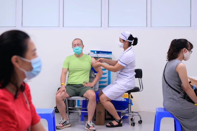 越南連5天逾7千確診 與日本簽署疫苗技轉合約
