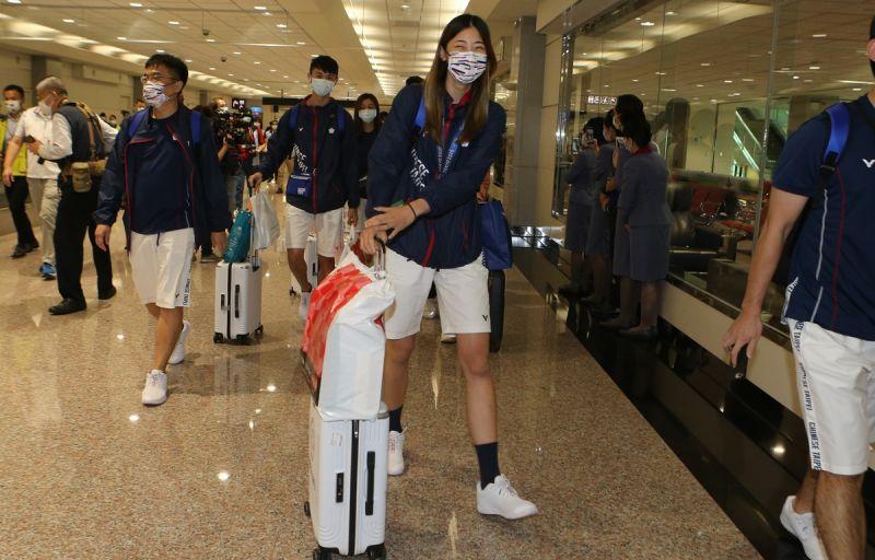 ▲在東京奧運勇奪銅牌的跆拳道正妹羅嘉翎28日返抵國門。(體育署提供)