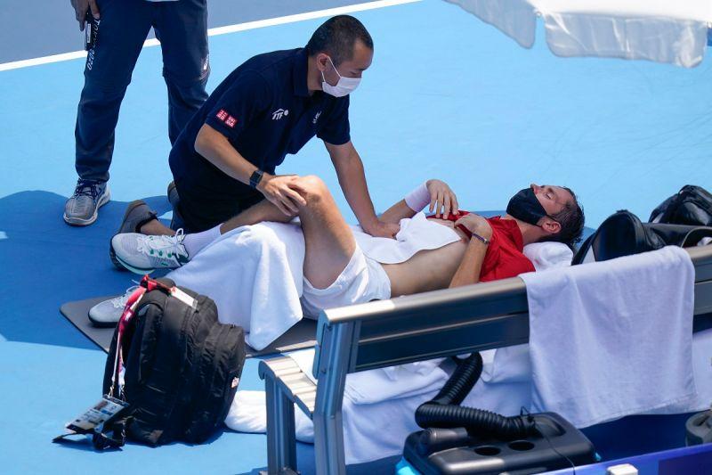 ▲俄羅斯好手Daniil Medvedev因為東京奧運網球場濕熱而申請醫療暫停。(圖/美聯社/達志影像)
