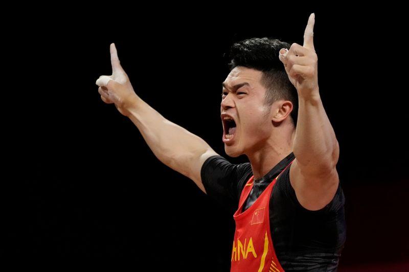 奧運/東奧舉重第1個破世界紀錄 石智勇總和364公斤摘金