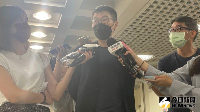 ▲在呼籲議員助理不應特權施打公費疫苗後,民進黨台北市議員梁文傑遭到爆料,自己早已打完疫苗卻不准助理施打。(圖/記者丁上程攝,2021.07.29)